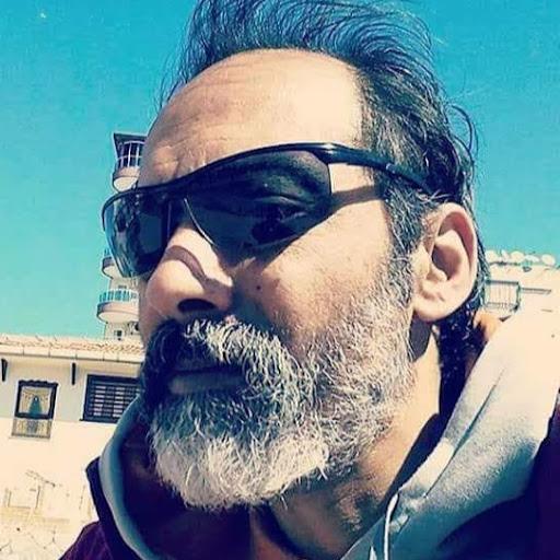 Nadir Erhan Çolak