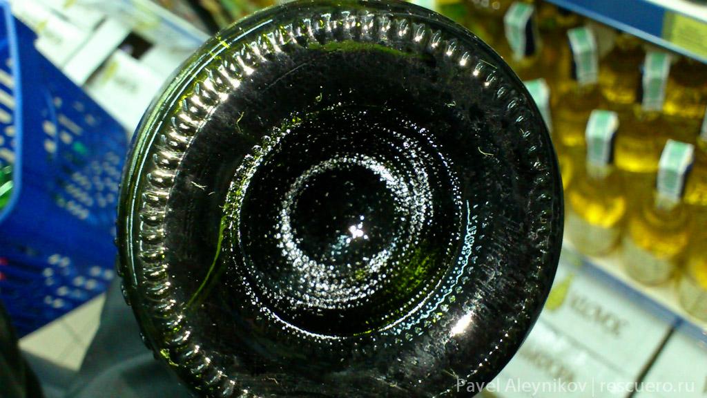 Бутылка фальсифицированного вина