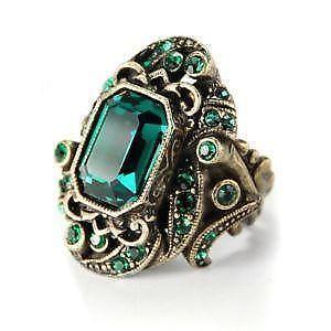 nhẫn đá ngọc lục bảo emerald