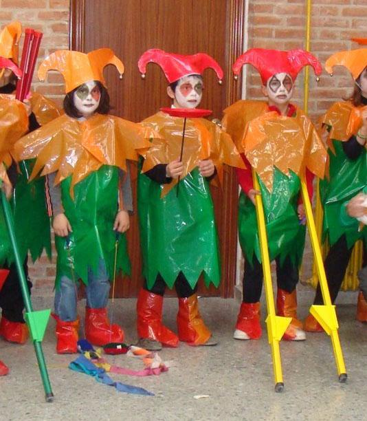 Roupas de carnaval  10_2-Disfraces-arlequin-con-bolsas-de-plastico