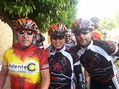 LRE NO MARCHITA - Equipo al completo en Olmeda del Rey 2014