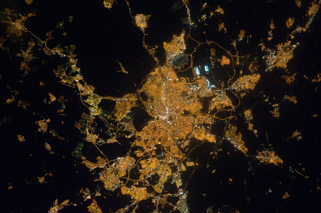 Nocturnal images of the Earth from Space | GUAIX