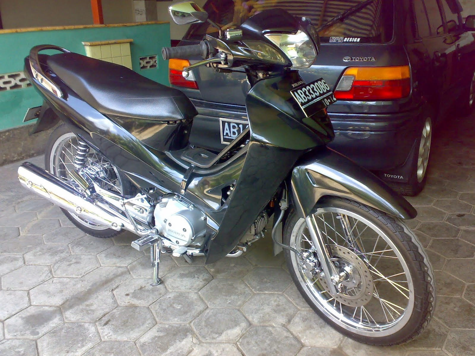 Download Kumpulan 71 Modifikasi Motor Honda Karisma 2003 Terkeren