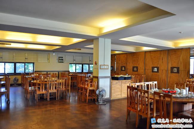 黑公雞風味餐廳二樓用餐空間