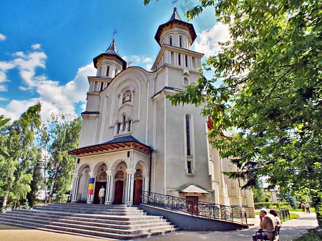 biserica ortodoxa parc vatra dornei