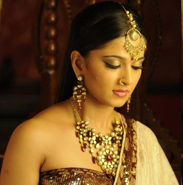 anushka tamil telugu actress picture gallery   actress shots