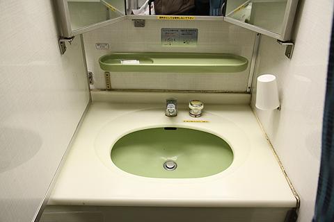 JR寝台特急「日本海」 4001レ B寝台 洗面所