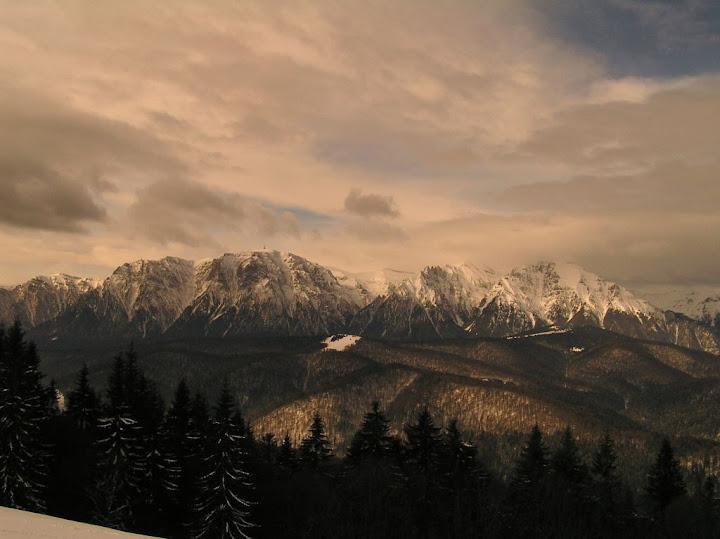 Predeal iarna zapada schi de tura munti
