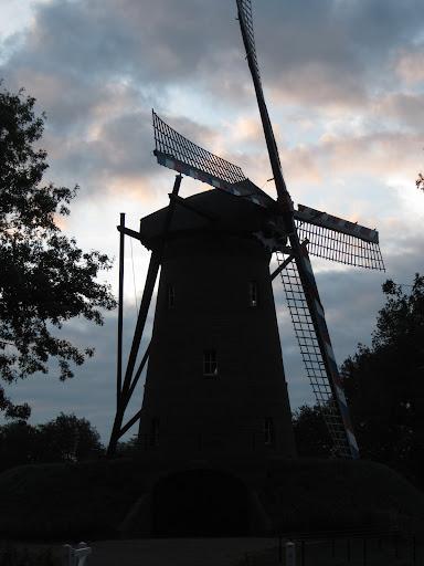 Marche Kennedy (80km) de Melderslo (NL): 20-21 août 22-08%252520Melderslo%252520molen