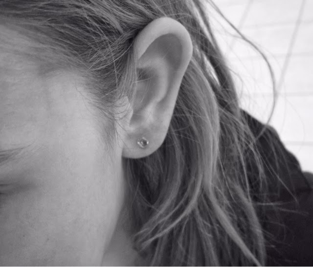 hål i öronen varar