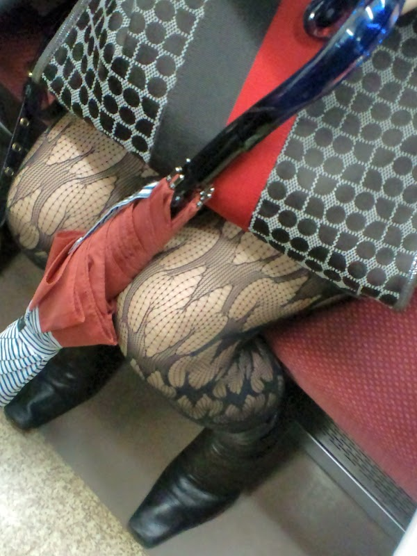 in the train [sitting] vol.5 part 5(21pics)  #picasa:upskirt,picasa
