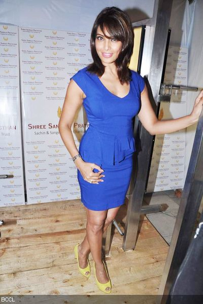 The super-sexy Bipasha Basu at Dino Morea's fitness brand launch, held in Mumbai. (Pic: Viral Bhayani)