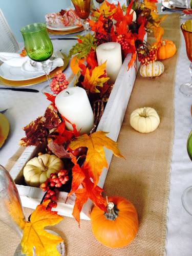How to set Thanksgiving table,
