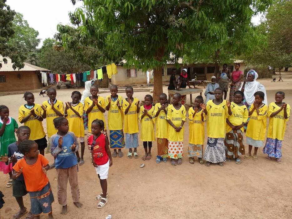 Algunos niños del programa de becados