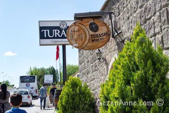 Kapadokya'da Ürgüp'teki Turasan fabrikasının dışı