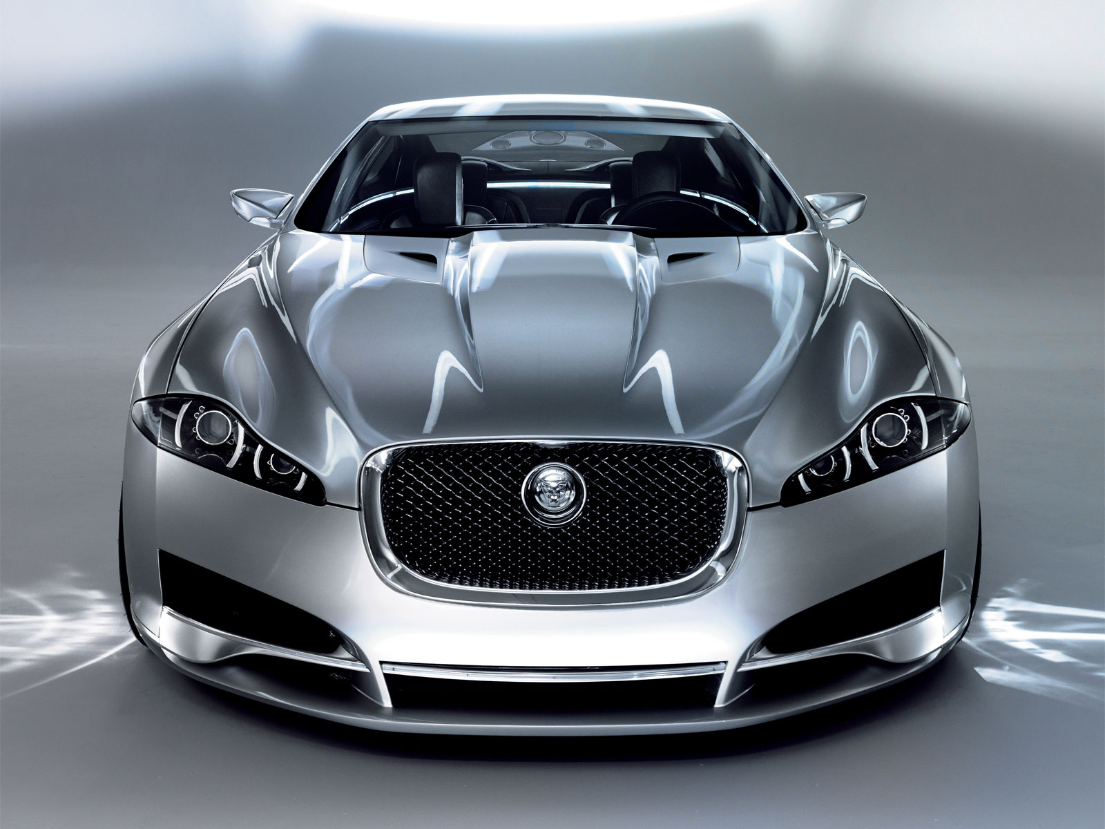 Adlib: Jaguar XKR New Sports Car