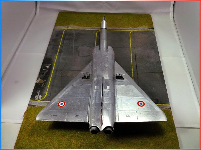 GAMD Mirage IV B. Un gros mirage IV, en scratch et au 72 IMG_20141007_200233