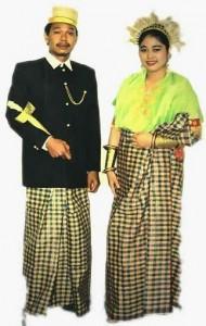Pakaian Adat Sulawesi Selatan Pakaian Tradisional Sulawesi Selatan 190x300 Pakaian Adat Tradisional Indonesia
