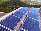 Placas solares sobre la cubierta