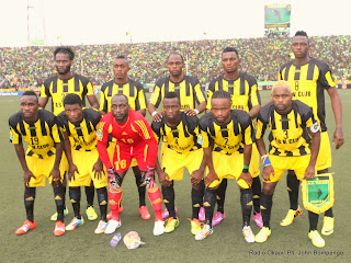 L'équipe de Vita Club de la RDC le 21/09/2014 au stade Tata Raphaël à Kinshasa, lors du match de la demi-finale aller de la ligue des champions de la Caf contre CS Sfaxien de la Tunisie, score : 2-1. Radio Okapi/Ph. John Bompengo