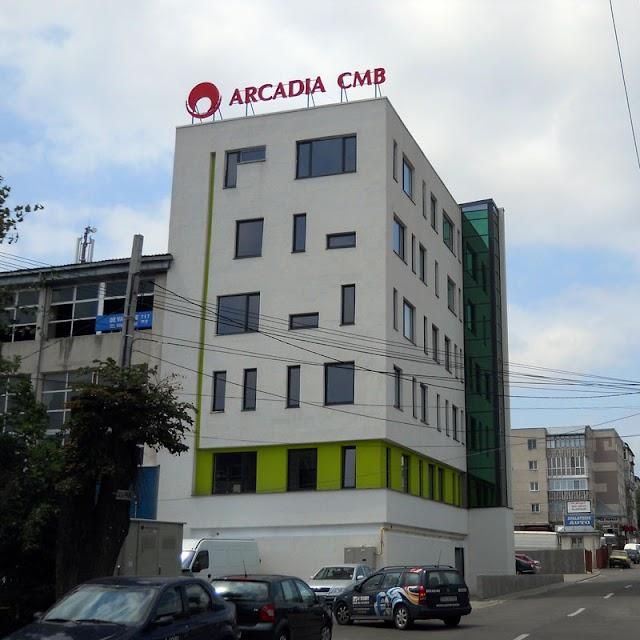Cristian Adomniţei, Dan Gabriel Iacob şi medicul Adrian Tătăranu îşi deschid clinică medicală în Suceava