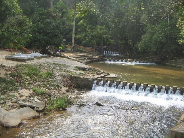Jeram-Linang-Waterfall