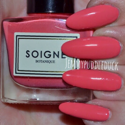 Petale de Rose Fruit de la passion Macaron Collection nail polish soigne nails uk varnish