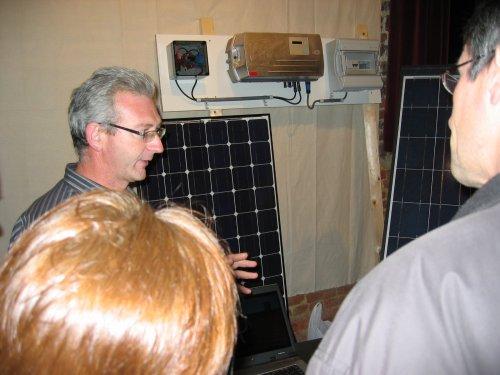 Bij D.I.S.E Technics uit Oetingen kon je zonnepanelen en zonnecollectoren bekijken.