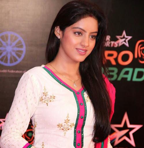 Deepika-Singh-Hot-Bikini-Pictures