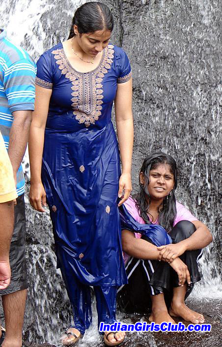 College Girls 4 U Tamil College Girls Bathing In Kodaikanal Waterfalls In Wet Chudidhar-1824