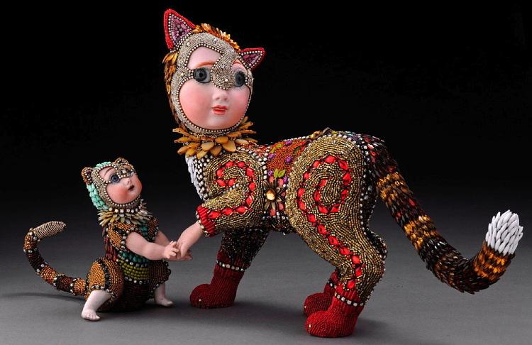 кошки из бисера