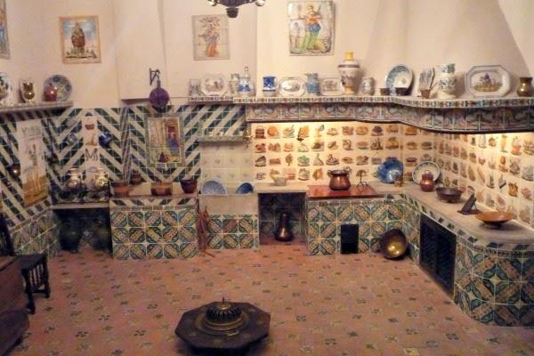 Museo Nacional De Ceramica.Un Palacio En El Centro De Valencia El Museo Nacional De Ceramica