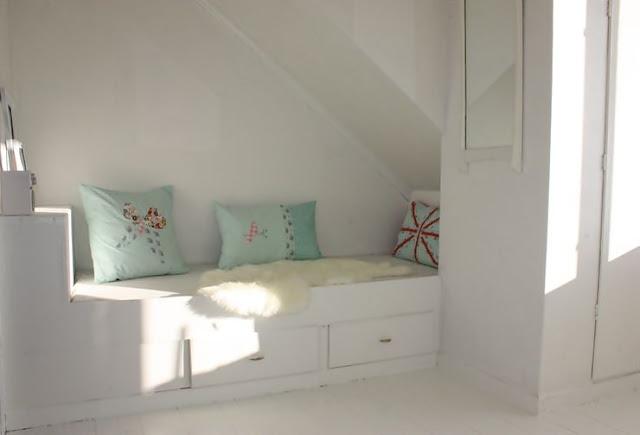 Lisbeth sin lille verden: plassbygd seng