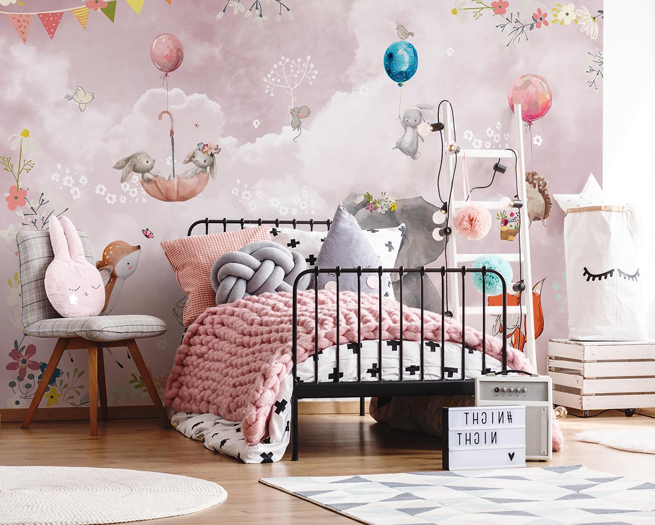 Фотообои в Детскую комнату на стене в интерьере