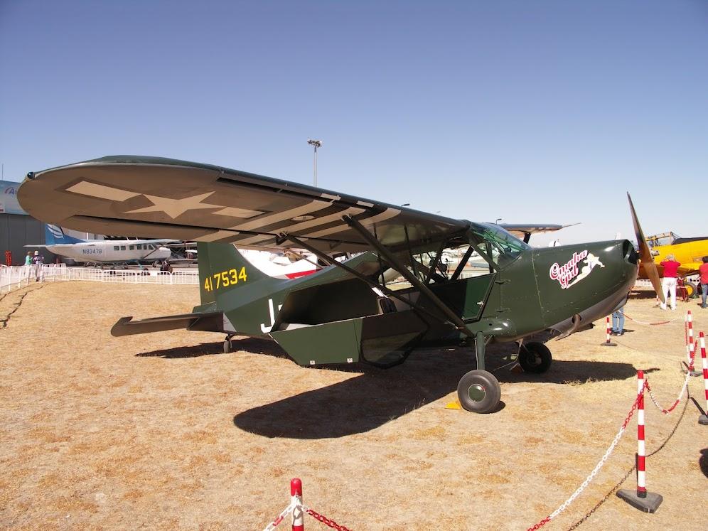 """Exhibición aerea de la Fundación """"Infante de Orleans"""". PIPER+L-4"""
