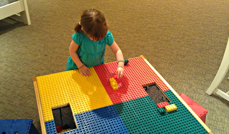 Fun LEGO Table at Havertys #PicturePerfect