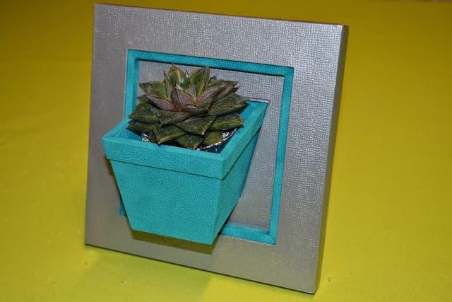 cadre pot de fleurs bleu