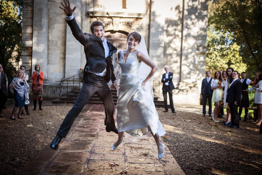 wedding-couple-jump