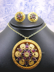 Victorian 15ct Gold Pendant and Daisy Earrings Garnet Chrysoberyl c1860