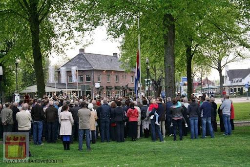 Dodenherdenking overloon 04-05-2012 (35).JPG