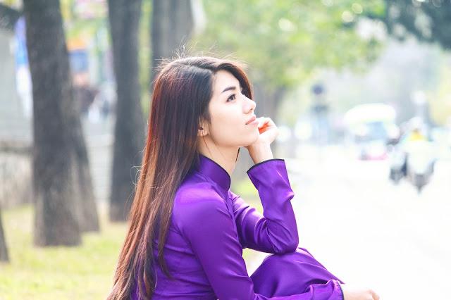 Bộ ảnh cô gái mặc áo dài tím Huế thật đẹp
