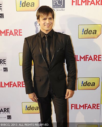 Smashing Vivek Oberoi walked the red carpet at the 58th Idea Filmfare Awards in Mumbai.Click here for:<br />  58th Idea Filmfare Awards