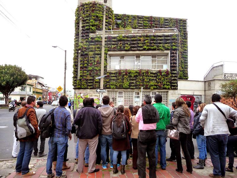 Visita a jardines verticales en Bogotá