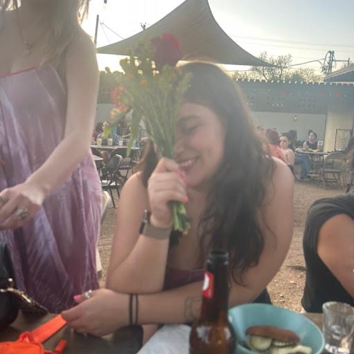 Sarah Mercado Photo 17