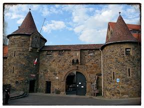 na zdjęciu brama wjazdowa do zamku Czocha