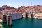 Der Wasserstand am Hoover Dam ist momentan niedrig.