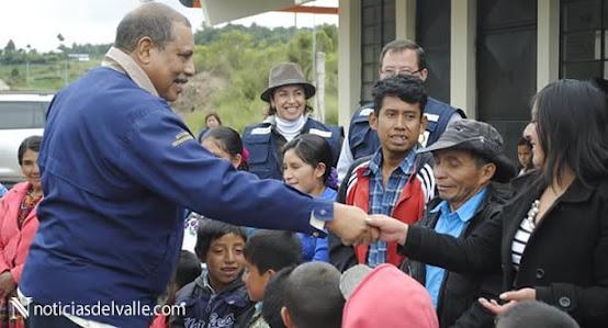 Club Rotario ayuda a construcción de escuela