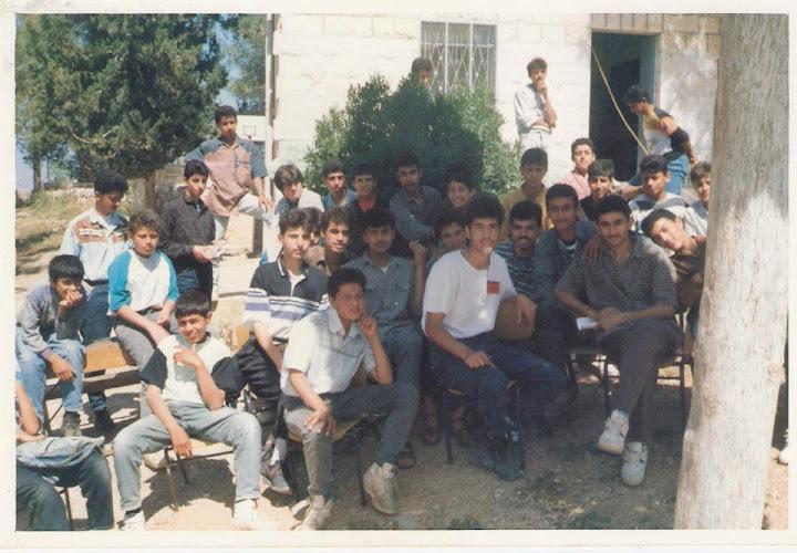 رحلة مدرسة فقوعة الى مدينة القدس عام 1967 561271_360021400712406_130253897022492_880636_842130702_n