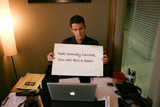 Daniel-Tosh-you-call-this-a-desk