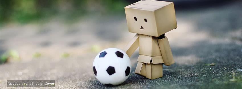 Danbo chơi đá bóng